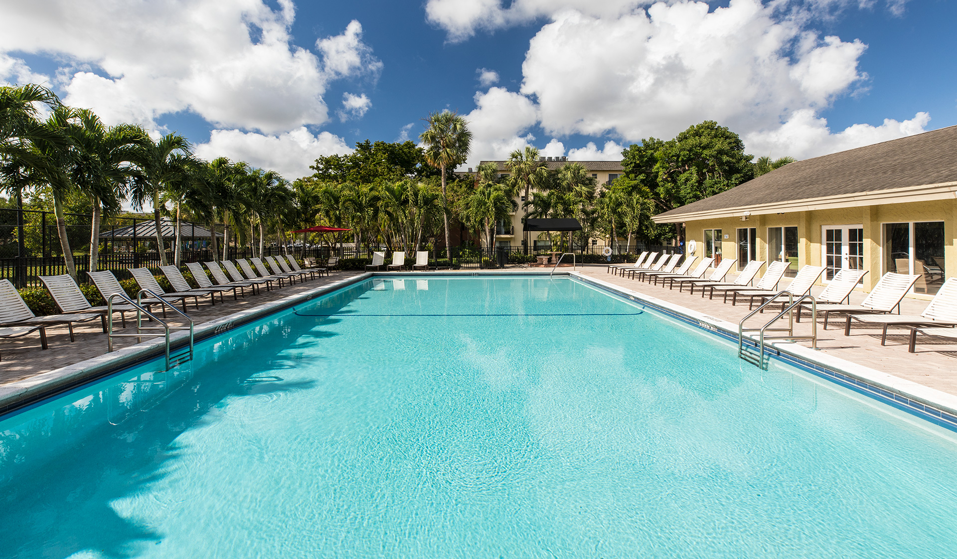 Plantation Gardens Apartments - Pool - Plantation, FL