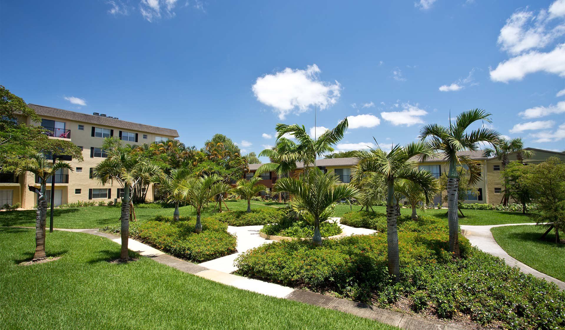 Plantation Gardens Apartments - Exterior Walking Path - Plantation, FL